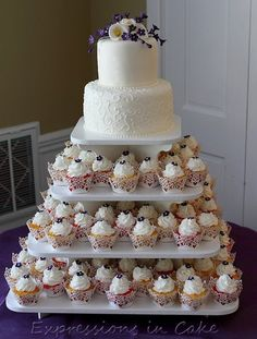 Cupcake Stand Ideas I Want A Cake Just To Cut Then Cupcakes For Guests