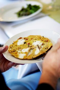 Spanish tortilla as wedding appetizer | Simpatica Catering, Evrim Icoz Photography