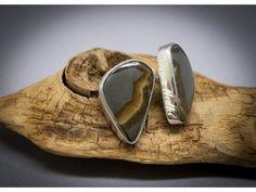 Boucles d'oreilles en argent 925, serties de pierre fine de septaria, et faites main.