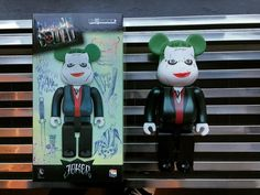 Anybody dressing up as The Joker from Suicide Squad? If you are (or aren't) here is the Daily Deal! Take 20% off the 400% sized Suicide Squad Joker! 3 more days to Halloween!  #dailydeal #medicomtoy #bearbrick #thejoker #suicidesquad #joker  #arttoys #arttoy #vinyltoy #vinyltoys #designertoys #desgnertoy #designer #designers #art #vinyl #toy #toys #collectibles #collectible #markham #mindzai #toronto