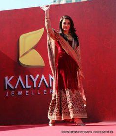 Aishwarya Rai and Manju Warrier at Dubai Kalyan Jewellers event | PINKVILLA