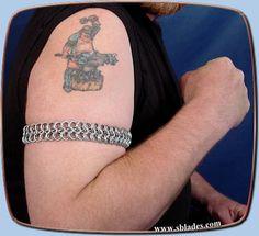 Chainmail & More Wayfarer maille armband, Chainmaille warrior jewelry Pretty Costume, Chain Mail, Writing Inspiration, Costume Jewelry, Wayfarer, Chokers, Dressing, Jewellery, Bracelets