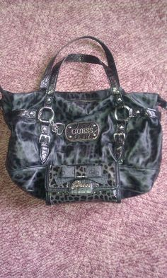 Black guess Purse with matching wallet…ooh ooh I think this one is really the bomb! Guess Purses, Cute Bags, Balenciaga City Bag, Purse Wallet, Purses And Handbags, Personal Style, Shoulder Bag, My Style, Wallets