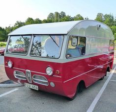 Saab camper - This is awesome! Vintage Rv, Vintage Caravans, Vintage Travel Trailers, Vintage Campers, Camper Caravan, Truck Camper, Camper Trailers, Bus Motorhome, Trailer 2