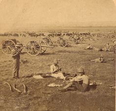The more things change, the more they stay the same. This is 'hurry up and wait' outside Pretoria before it was vacated. British Armed Forces, British Soldier, British Army, Royal Horse Artillery, British Colonial, Military History, Old Pictures, Historical Photos, South Africa