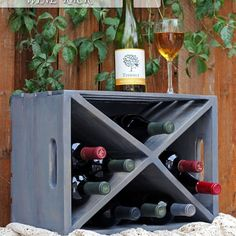 We're ready to show you our 8 best DIY Wine Rack designs that you can make your own. These are all reallty easy DIY projects so get ready to be crafty. Cool Diy, Easy Diy, Ideas Para Decorar Jardines, Wine Rack Design, Diy Holz, Wood Crates, Wooden Pallets, Wine Storage, Storage Rack