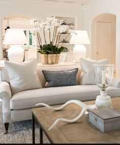 Chic white living room with blue accents. Chic white living room blue … - Home Decor Coastal Living Rooms, My Living Room, Home And Living, Living Room Decor, Condo Living, Living Room Inspiration, Interior Inspiration, Living Room Designs, House Design