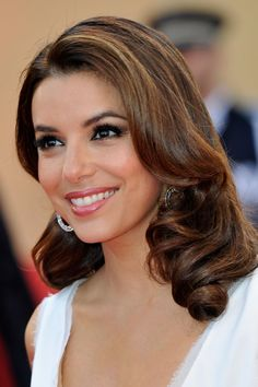 alba hispanic single women This list contains information about white men married to latina women, loosely ranked by fame and popularity several famous white actors, musicians, and athletes.