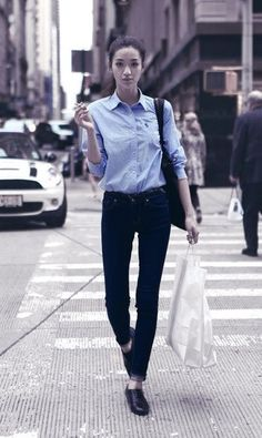 MINIMAL + CLASSIC: jeans, Oxford shirt & shoes