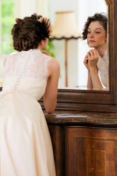 アーネラ クロージング(Anela Clothing) 魅了される程美しい可憐なバックスタイル
