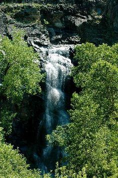 Waterfall in Spearfish Canyon, South Dakota Custer South Dakota, Sturgis South Dakota, Camping Places, Places To Travel, Places To See, Vacation Wishes, Vacation Spots, Sturgis 2015, Sturgis Sd