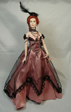 Tonner Gina wears Franklin Mint Josephine gown