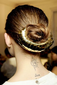 what a fun hair accessory!