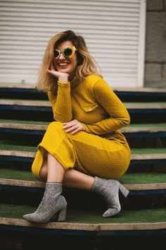 10 Gorgeous Winter Boots That Are Stylish AF Winter Wear, Winter Boots, Winter Dresses, Winter Outfits, Summer Dresses, Wallpaper Men, Funky Socks, Off Shoulder Sweater, Dress With Cardigan