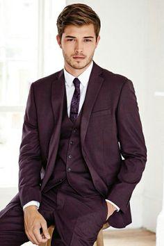 Francisco Lachowski jetzt neu! ->. . . . . der Blog für den Gentleman.viele interessante Beiträge - www.thegentlemanclub.de/blog
