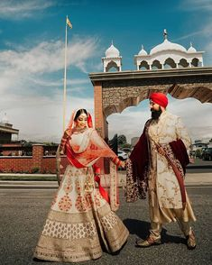 Latest Sherwani Dupatta Designs And Styling Ideas For Grooms Wedding Reception Outfit, Groom Wedding Dress, Sikh Wedding, Punjabi Wedding, Wedding Couples, Sikh Bride, Punjabi Bride, Punjabi Couple, Bridal Looks