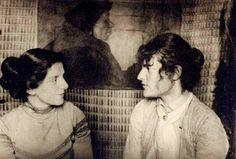 Paula Modersohn-Becker und Clara Rilke-Westhoff, um 1912.