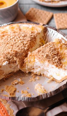 This is the BEST No Bake Pineapple Dessert recipe! It's a quick and easy no-bake dessert you're gonna love! A no bake crust is filled with a thick eggless cream cheese filling and topped with crushed Cool Whip Pies, Cool Whip Desserts, Easy No Bake Desserts, Graham Cracker Dessert, Graham Cracker Recipes, Graham Crackers, Graham Cracker Crust, Whipped Cream Desserts, Cream Cheese Desserts