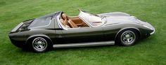 L'une des Miura les plus exclusives est le Roadster Miura P400 présenté au Salon de Bruxelles en 1968. Conçu et construit par Bertone.
