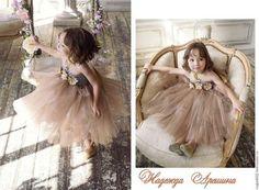 Купить или заказать Детское платье 'Каппучино/мокрый асфальт' в интернет-магазине на Ярмарке Мастеров. Изготовлю нарядное пышное платье из фатина для девочек. Стоимость платьев зависит от длины, размера, пышности, украшений. Может быть исполнено в любом цвете или гамме цветов! Учту все Ваши пожелания! Платье для девочки ручной работы из мягкого или обычного фатина и резинки-топа , в комплете к платью повязка на волосы.