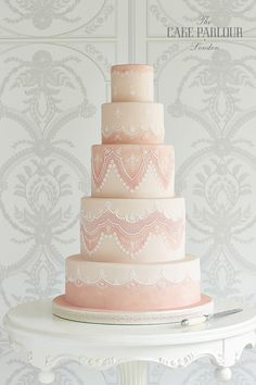 Lace Wedding Cake in shades of peach
