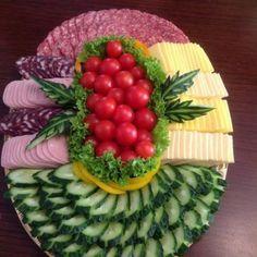 Kalte Platten – kalte Platen – Appetizers for party – probably Meat Trays, Veggie Platters, Veggie Tray, Food Platters, Cheese Platters, Fancy Appetizers, Appetizer Recipes, Appetizer Ideas, Fruit Platter Designs