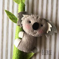 Koalaa🖤☺️ #keçe #kece #felt #feltro #fieltro #ecerce #tasarim #babyroom #babyroomdecor #elyapimi #handmade #hediye #babyshower #bebekodasi #baby #dogumhediyesi #hosgeldinbebek #bebekhediyesi #craft #feltcraft #nursery #nurserydecor #koala #koalabear #feltart #kecetasarim