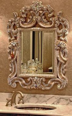 Ornate mirror with bling (Swarovski) Beautiful Mirrors, Beautiful Bathrooms, Beautiful Homes, Unique Mirrors, Home And Deco, My Dream Home, Interior And Exterior, Home Accessories, Sweet Home