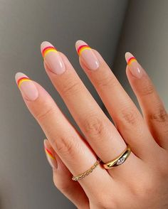 Summer Acrylic Nails, Best Acrylic Nails, Acrylic Nail Designs For Summer, Round Nail Designs, Acrylic Nails Yellow, Orange Nail Art, Square Acrylic Nails, Short Nail Designs, Minimalist Nails