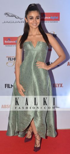 Alia Bhatt All Actress, Alia Bhatt, Aaliyah, One Piece, Actresses, Formal Dresses, Fashion, Female Actresses, Dresses For Formal