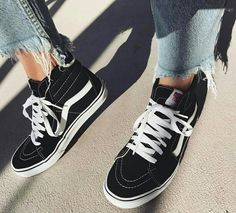 446a7ceec69 Ripped jeans and black high top vans