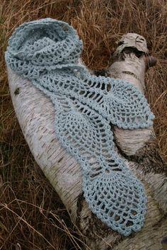 Fru Madsens nørklerier: Halstørklæde i ananasmønster