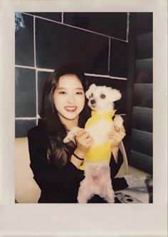 Image discovered by ⌇. Find images and videos about gg, polaroid and loona on We Heart It - the app to get lost in what you love. Kpop Girl Groups, Kpop Girls, Polaroid Printer, Olivia Hye, Film Aesthetic, Your Girl, Photo Cards, Dream Catcher, Spiderman