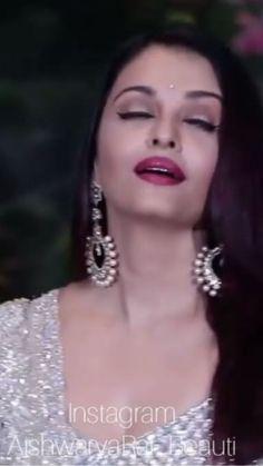Aishwarya rai mood Source by Most Beautiful Bollywood Actress, Bollywood Actress Hot Photos, Indian Bollywood Actress, Beautiful Actresses, Actress Aishwarya Rai, Aishwarya Rai Bachchan, Beautiful Christina, Beautiful Lips, Bollywood Images