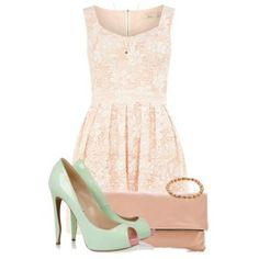 Мятные туфли под нежно-розовое платье