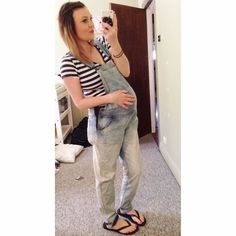 6 Tips from Laura for affordable maternity wear, including lot's of pictures Maternity Wear, Maternity Fashion, Overalls, Capri Pants, Tips, Blog, How To Wear, Pictures, Beautiful