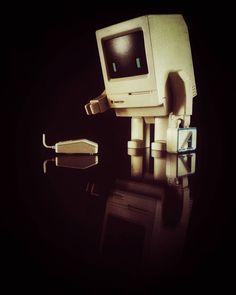 Classicbot classique COMPUTER Vinyl Toy Figure par Philip Lee