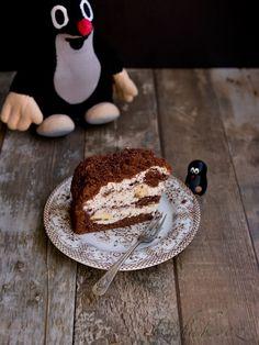 POTŘEBNÉ PŘÍSADY: Korpus (forma asi 25 cm v průměru): 320 g hladké mouky 180 g cukru krupice 3 vejce 3 lžíce kakaa 200 ml oleje 200 ml mléka 1 prášek ... Pancakes, French Toast, Cheesecake, Sweets, Cooking, Breakfast, Recipes, Chocolate Cakes, Birthday