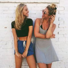 59 Trendy Photography Poses For Friends Bff Photoshoot Fun Photo, Best Friend Poses, Poses With Friends, Summer Outfits, Cute Outfits, Family Outfits, Best Friend Photography, Foto Casual, Cute Poses