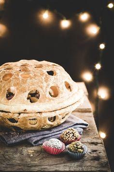 Puff pastry basket with chocolate and rum truffles  - Cestino di pasta sfoglia con tartufini al cioccolato e rum