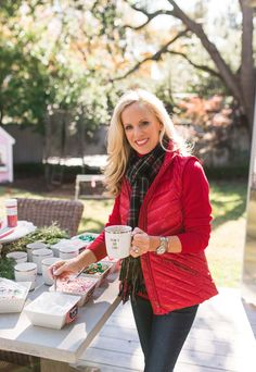 Today I am partnering with Talbots to share two of my favorite holiday traditions.shopping and the perfect Hot Chocolate Bar. Cold Weather Outfits, Casual Winter Outfits, Holiday Outfits, Fall Outfits, Fashion Outfits, Girls Fall Fashion, Autumn Winter Fashion, Winter Style, Christmas Fashion