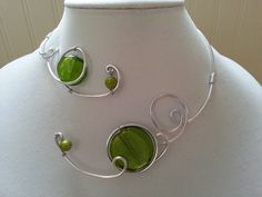 Alu wire green necklace  Spirals metal wire par LesBijouxLibellule, $25.00 - cool.  I'd like to make something like this