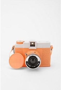 such a cute camera, wish it wasn't this type of photography!  this would be a cute pocket carry around camera!