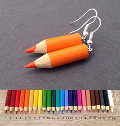 Crayon de couleur boucles d'oreilles Kawaii Fun par BurntSugarStore