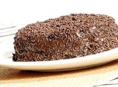 Bolo de Chocolate Fofinho - Pense numa receita de bolo de chocolate fofinho. Uma delícia de bolo feito no liquidificador. Simples e gostoso, aproveite!...