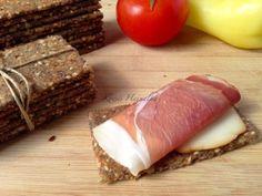 4 magvas kenyérlapka | mókuslekvár.hu Pizza Recipes, Bread Recipes, Bread Rolls, Quiche, Healthy Eating, Beef, Baking, Dinner, Ethnic Recipes