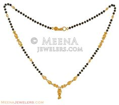 22k Small Mangalsutra Chain Gold Wedding Jewelry, Gold Jewelry Simple, Dainty Jewelry, Gold Mangalsutra Designs, Gold Earrings Designs, Antique Jewellery Designs, Gold Jewellery Design, Plain Gold Bangles, Gold Chain Design