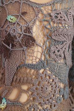 Dies ist eine exklusive Pullover in Freeform-Technik durchgeführt. Es ist ein sehr warm und komfortabel. Material: Wolle, Mohair, Venedig-Spitze.
