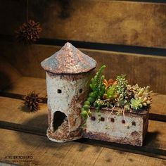Most recent Photo Clay pottery houses Ideas Most up-to-date Absolutely Free pottery art miniature Tips Clay Houses, Ceramic Houses, Ceramic Clay, Ceramic Pottery, Pottery Art, Ceramic Planters, Miniature Houses, Ceramics Projects, Clay Projects