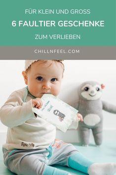 6 Faultier Geschenke zum Verlieben: ab Geburt bis ins hohe Alter. Chill n Feel // Faultier Geschenke // Geburtsgeschenk // Sloth // Babygeschenk // Meilensteinkarten #faultiergeschenke #geburtsgeschenk #sloth #babygeschenk #meilensteinkarten Boy Baby Showers, Amazon Rainforest, Presents For Guys, Sloth Animal, Wrapping Gifts, Kawaii